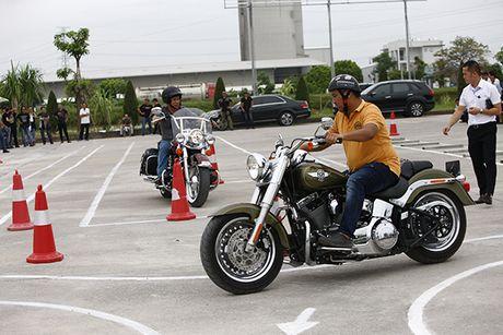 Xem cac biker cuoi mo to khung luyen tay lai - Anh 5