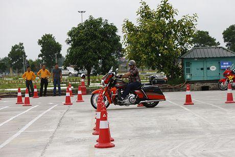 Xem cac biker cuoi mo to khung luyen tay lai - Anh 7