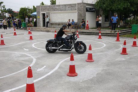 Xem cac biker cuoi mo to khung luyen tay lai - Anh 8