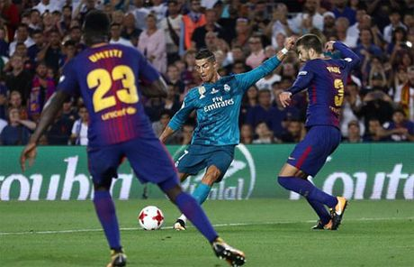 CR7 nhan the do, Real van da bai Barca tai Nou Camp - Anh 2