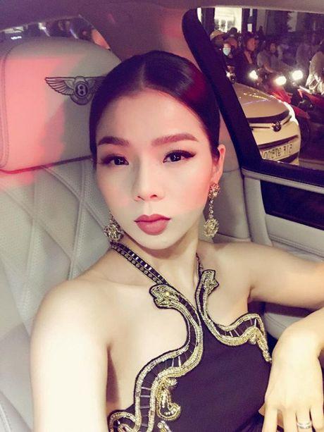 Le Quyen khang dinh thuong hieu 'nu dai gia' khi tau sieu xe Bentley tien ty - Anh 1