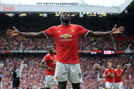 Lukaku lap cu dup, Man United len dau bang Premier League - Anh 1