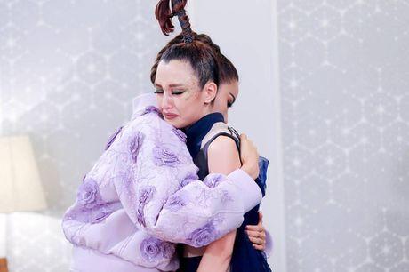 Hoang Thuy viet 'tam thu' sau khi bi noi khong cong bang voi Phuong Chi - Anh 2