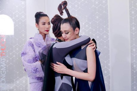 Hoang Thuy viet 'tam thu' sau khi bi noi khong cong bang voi Phuong Chi - Anh 4