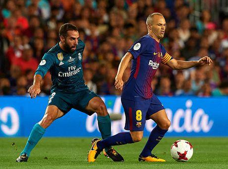 Barca vs Real (1-3): Ronaldo ghi ban dang cap va bi the do - Anh 18