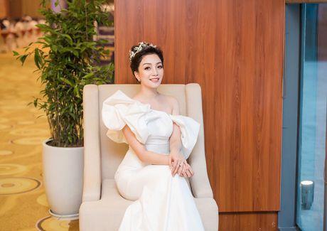 Pham Thu Ha: Bo ra nhieu, thu ve it van theo duoi con duong rieng - Anh 1
