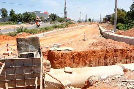 Cao toc Da Nang-Quang Ngai: Ngon ngang nut giao Tuy Loan vi vuong GPMB - Anh 10