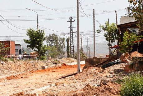 Cao toc Da Nang-Quang Ngai: Ngon ngang nut giao Tuy Loan vi vuong GPMB - Anh 11