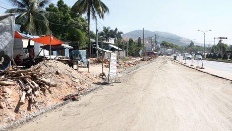 Cao toc Da Nang-Quang Ngai: Ngon ngang nut giao Tuy Loan vi vuong GPMB - Anh 5