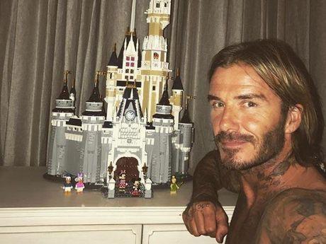 Ky cong xep lau dai tang con gai yeu, David Beckham khien fan phat sot - Anh 1
