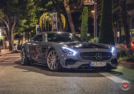 'Soi' sieu xe Mercedes-Benz AMG GT S voi goi do nua ty - Anh 2