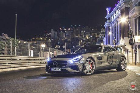 'Soi' sieu xe Mercedes-Benz AMG GT S voi goi do nua ty - Anh 3