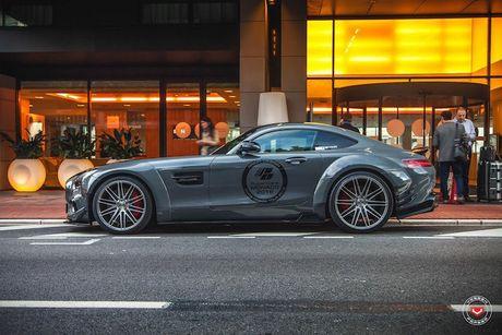'Soi' sieu xe Mercedes-Benz AMG GT S voi goi do nua ty - Anh 4