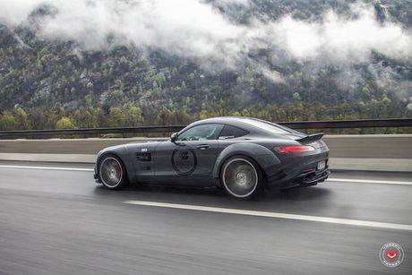 'Soi' sieu xe Mercedes-Benz AMG GT S voi goi do nua ty - Anh 8