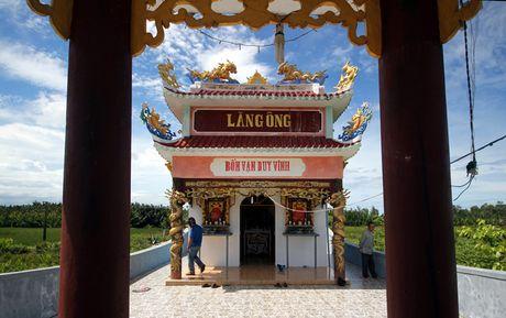 Dan gop 800 trieu dong xay lang tho ca voi o Quang Nam - Anh 2