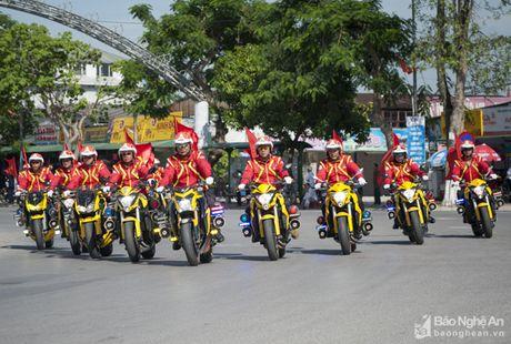Goldwing 4 banh doc nhat Viet Nam xuat hien tai Nghe An - Anh 1