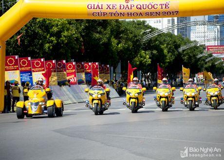 Goldwing 4 banh doc nhat Viet Nam xuat hien tai Nghe An - Anh 3