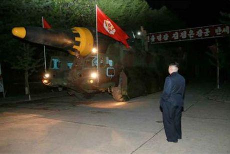 Trieu Tien up mo don tan cong My khong can ICBM - Anh 1