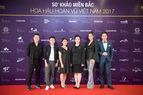 Lo dien Ban giam khao Hoa hau Hoan vu Viet Nam 2017 - Anh 1