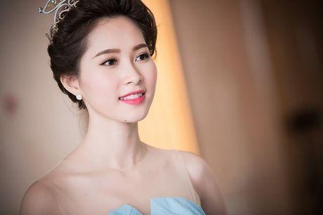 Hanh trinh nhan sac hoa hau Thu Thao tu khi dang quang den khi ket hon - Anh 15