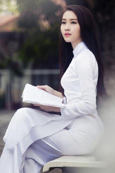 Hanh trinh nhan sac hoa hau Thu Thao tu khi dang quang den khi ket hon - Anh 7