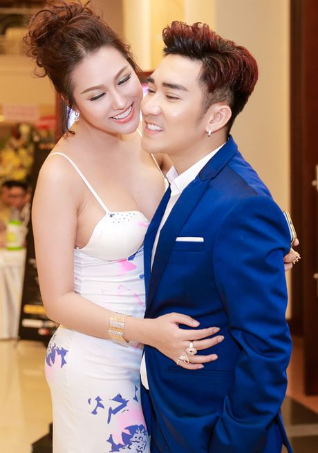 Phi Thanh Van nguc day tre nai, than mat voi Quang Ha trong su kien - Anh 2