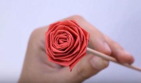 Cach lam hoa hong bang giay rang ro nhu hoa that - Anh 6