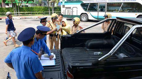 Ngoai 4 loi nay, thanh tra giao thong khong duoc dung xe 'nghi' vi pham - Anh 3