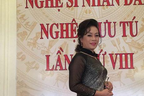NSUT Thuy Phuong- nguoi khien khan gia phai 'yeu Tu ba' - Anh 1