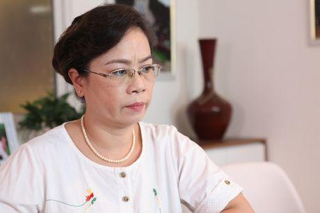 NSUT Thuy Phuong- nguoi khien khan gia phai 'yeu Tu ba' - Anh 2