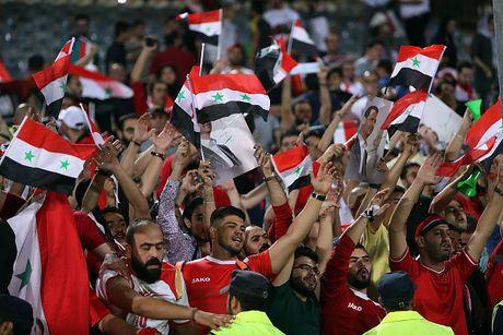 Ta toi vi chien tranh, Syria van lap ky tich o vong loai World Cup - Anh 11