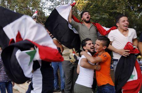 Ta toi vi chien tranh, Syria van lap ky tich o vong loai World Cup - Anh 4