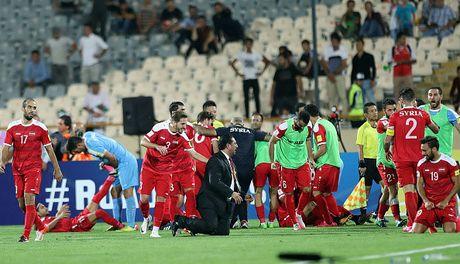 Ta toi vi chien tranh, Syria van lap ky tich o vong loai World Cup - Anh 8