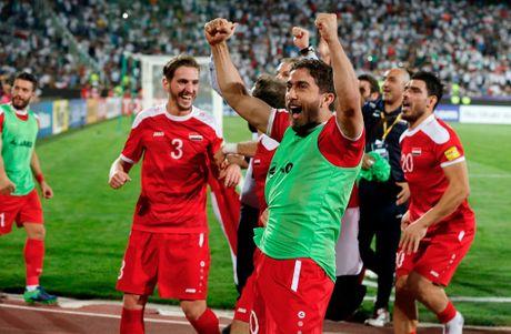 Ta toi vi chien tranh, Syria van lap ky tich o vong loai World Cup - Anh 9