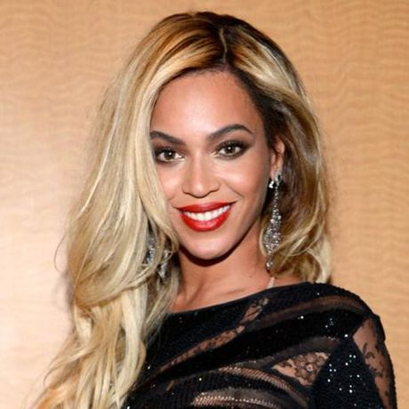 Be ngoai thay doi dang kinh ngac cua nu ca si goi cam Beyonce - Anh 21