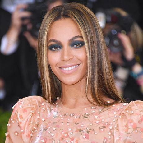 Be ngoai thay doi dang kinh ngac cua nu ca si goi cam Beyonce - Anh 23