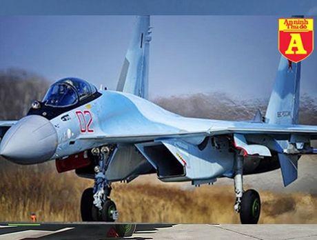 Su-35 Nga ra don tan cong chinh xac, 'Bo truong Chien tranh' IS thiet mang - Anh 1
