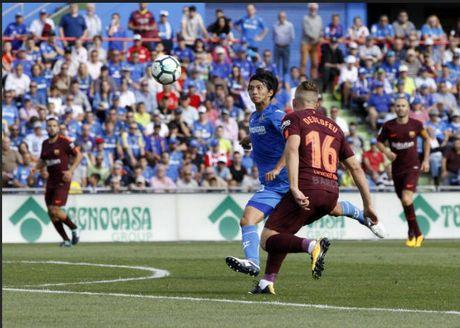 Messi 'im tieng', Barca len dinh La Liga nho 'hang thai Trung Quoc' - Anh 1