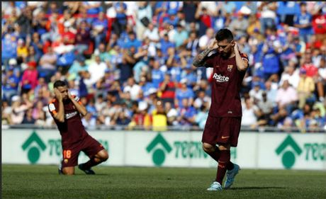 Messi 'im tieng', Barca len dinh La Liga nho 'hang thai Trung Quoc' - Anh 2