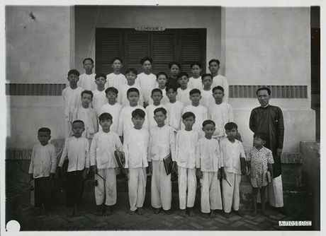 Hinh anh quy gia ve Vinh Long thap nien 1920 - Anh 12