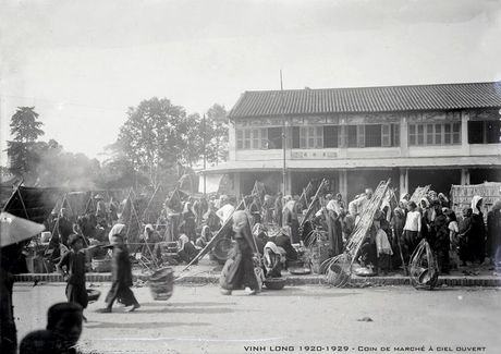 Hinh anh quy gia ve Vinh Long thap nien 1920 - Anh 2