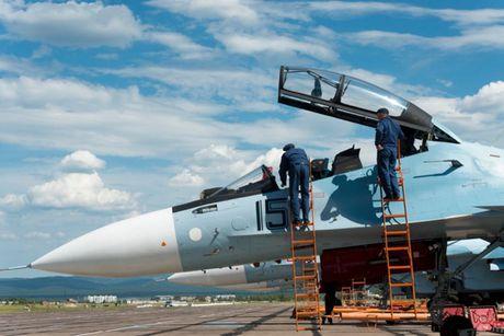 Su-27 'tai dau' F-15, ke tam lang nguoi nua can - Anh 2
