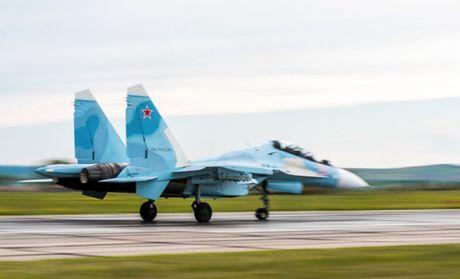 Su-27 'tai dau' F-15, ke tam lang nguoi nua can - Anh 6