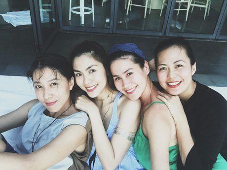 Hoi ban than cua Tang Thanh Ha van gan bo sau 10 nam - Anh 1