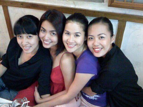 Hoi ban than cua Tang Thanh Ha van gan bo sau 10 nam - Anh 3