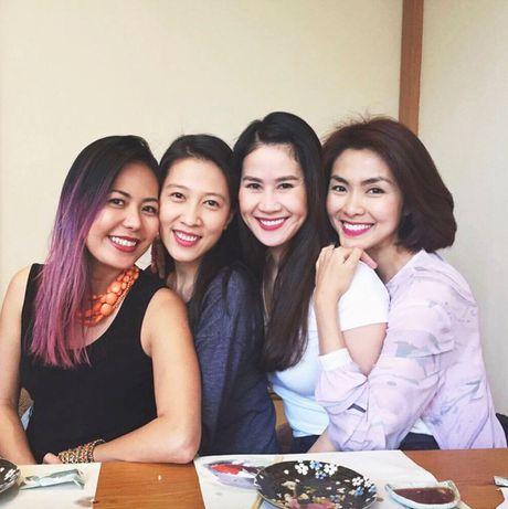 Hoi ban than cua Tang Thanh Ha van gan bo sau 10 nam - Anh 7