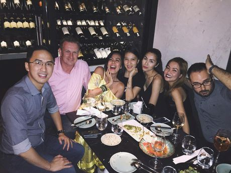 Hoi ban than cua Tang Thanh Ha van gan bo sau 10 nam - Anh 8