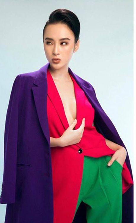 Ky Duyen, Angela Phuong Trinh lai quen noi y khi mac vest - Anh 3