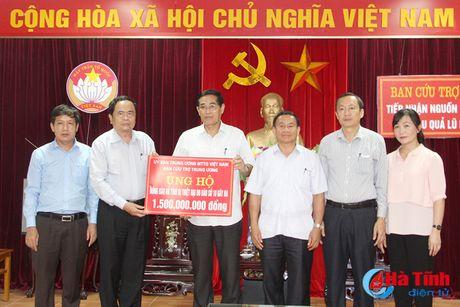 MTTQ Viet Nam ho tro nguoi dan Ha Tinh thiet hai do bao 1,5 ty dong - Anh 1