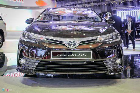 Toyota Corolla Altis 2017 gia giam van cao hon doi thu - Anh 4